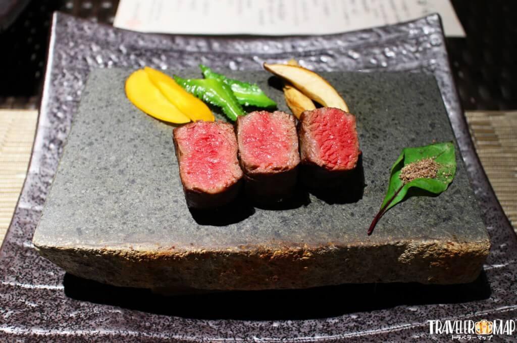 沖縄県産黒毛和牛 ヒレ肉のステーキ久米島石焼き