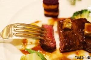 2つ目「和牛のステーキ マデラソース」2