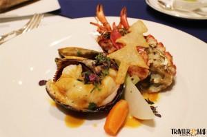 オマール海老と鮑(あわび)の軽いブレゼ 紫蘇の香り1