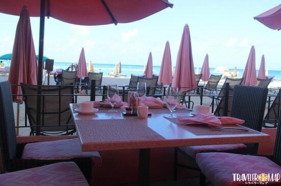 海を見ながら朝食