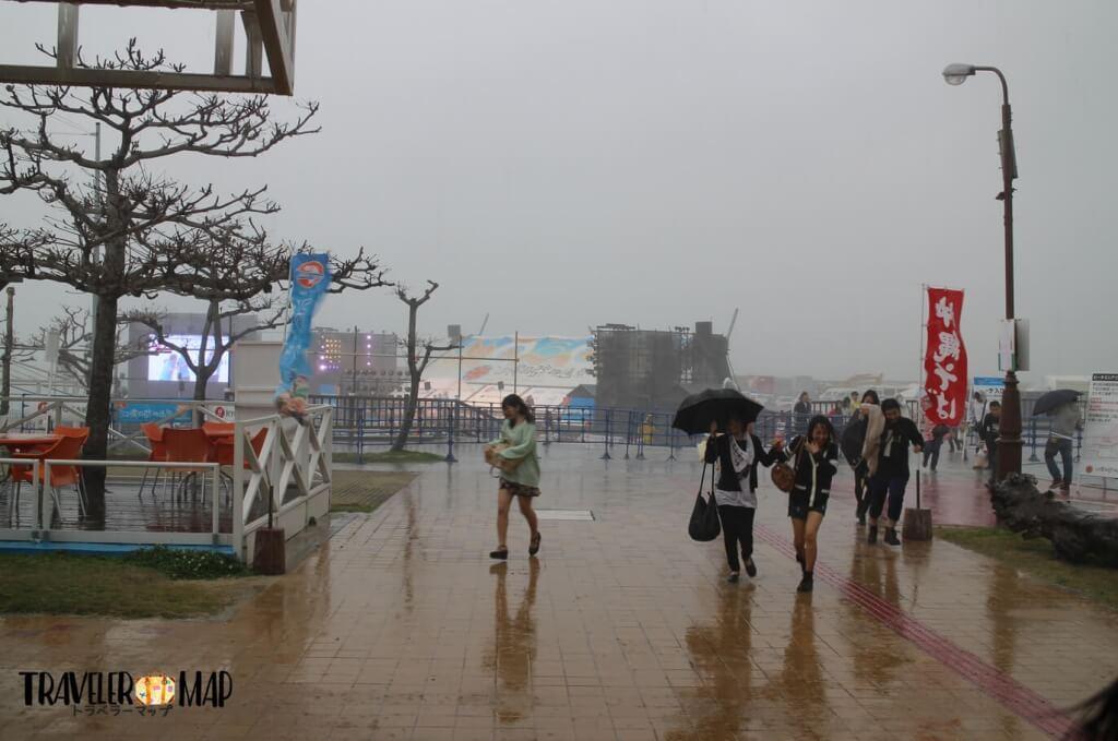 沖縄国際映画祭が大雨で中断に