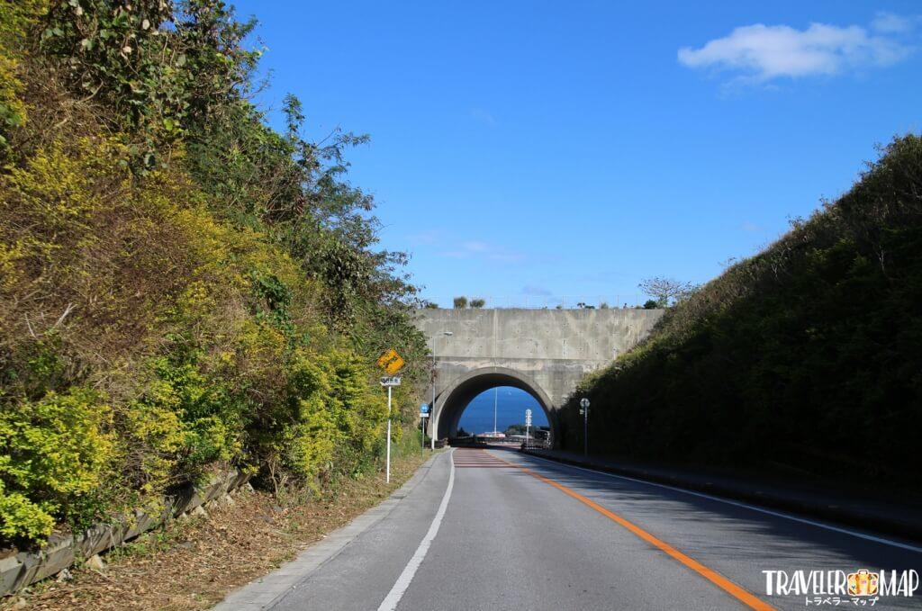ニライカナイ橋のトンネル