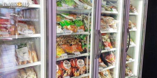 コリアマートの食品コーナー