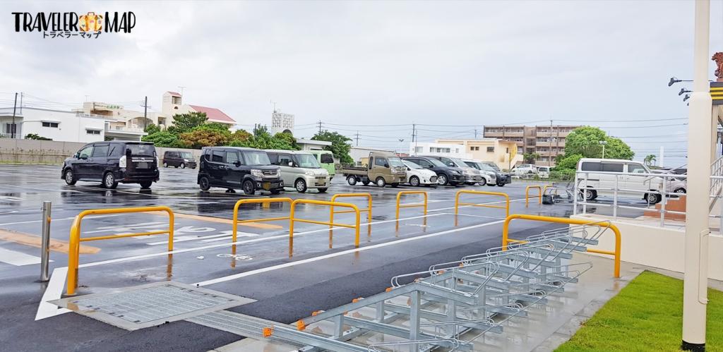 MEGAドン・キホーテ豊見城店の駐車場